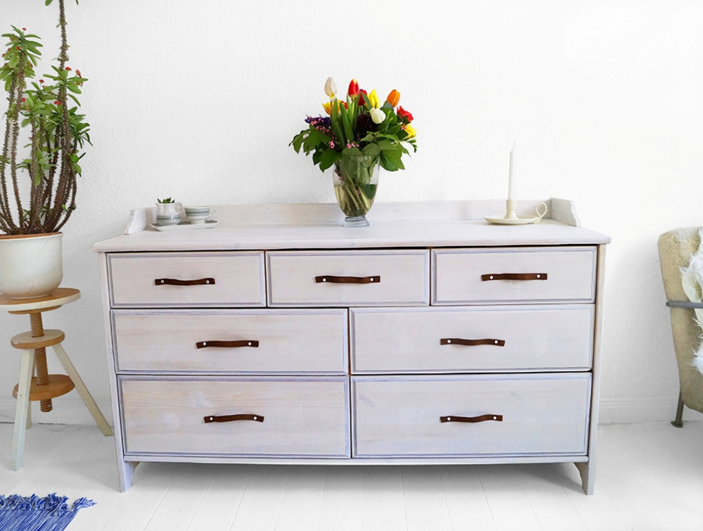 Picture of: Modern White wash dresser
