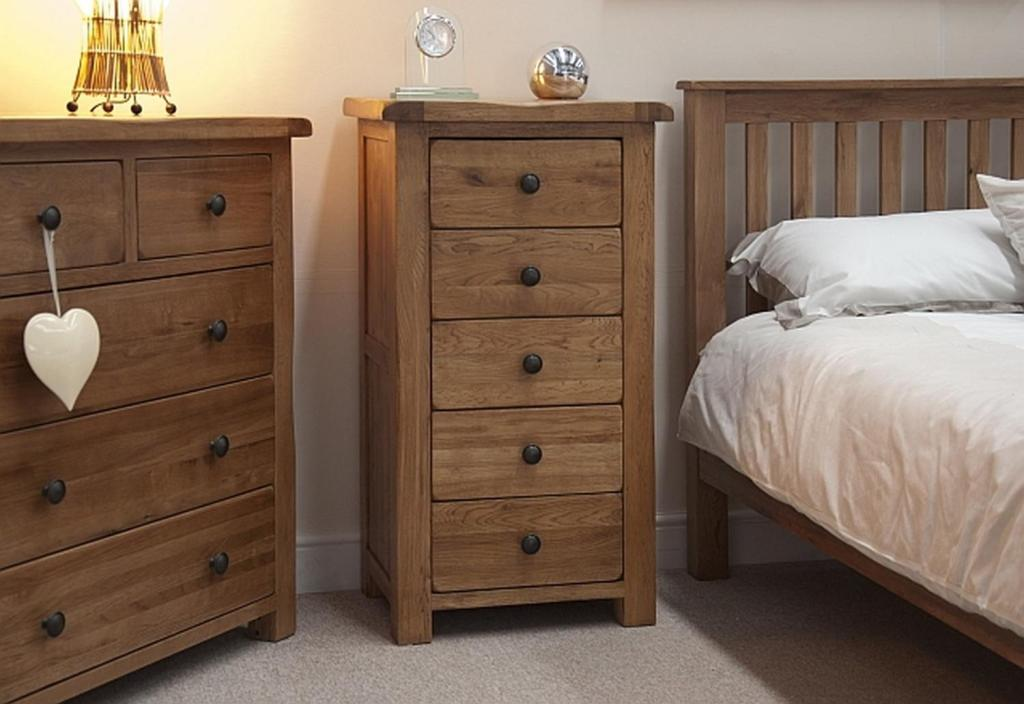 Picture of: Modern Narrow Dressers For Small Spaces