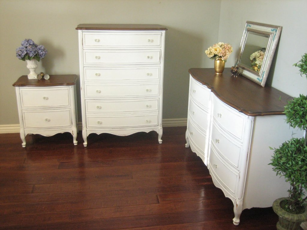 Picture of: White Dressers Wood