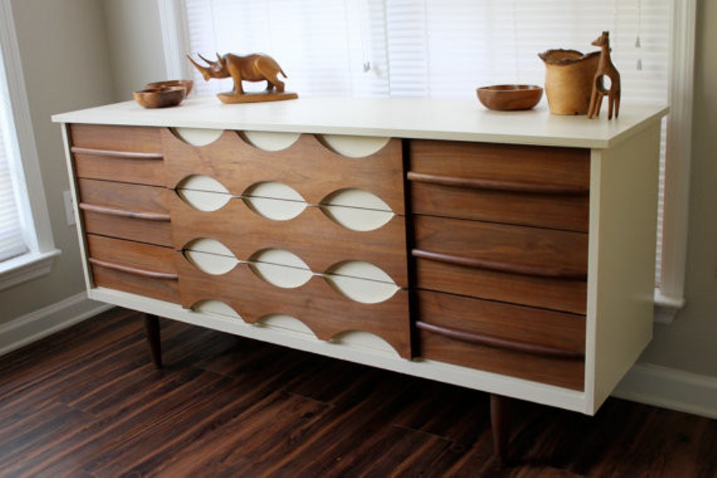 Picture of: White mid Century Modern Dresser Dsigns
