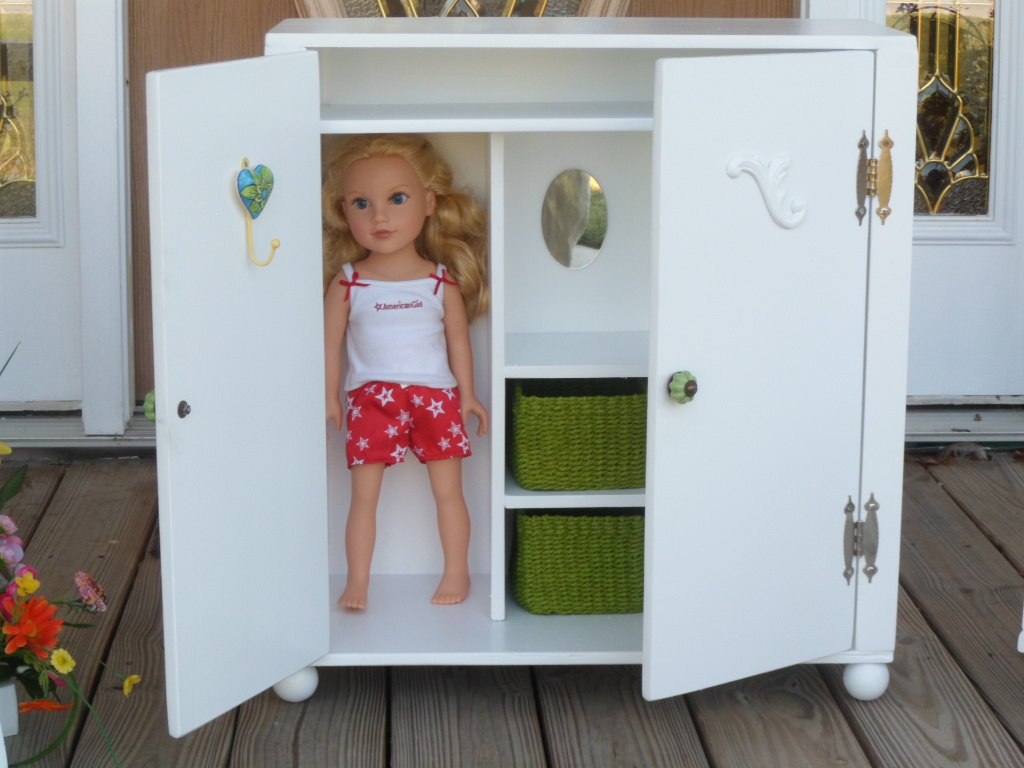 Image of: Clean Doll Armoire