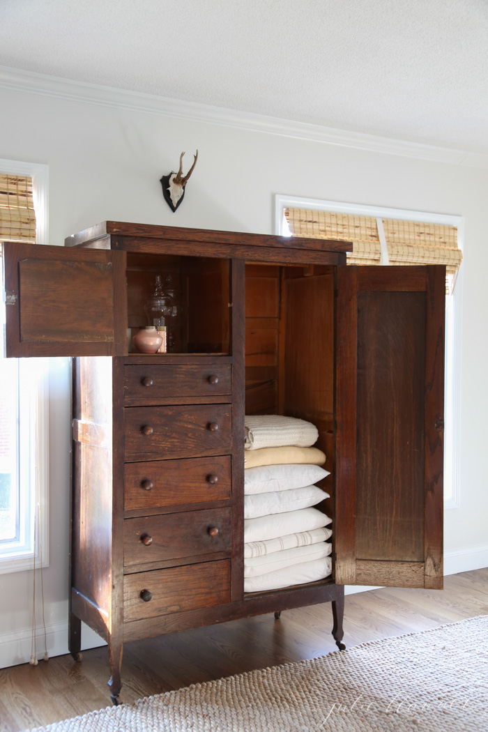 Image of: Great Linen Armoire