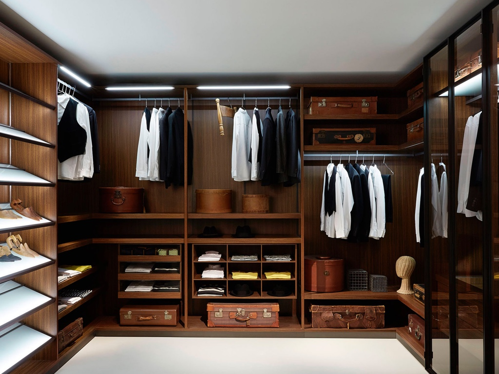 Picture of: Great Mens Armoire