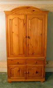 Picture of: Mahogany Broyhill Armoire