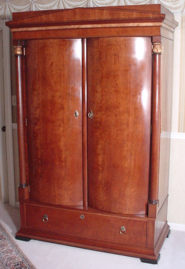 Picture of: Nice Henredon Armoire