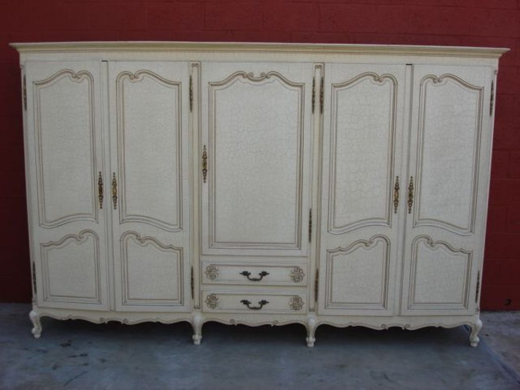 Image of: Shabby Chic Armoire Wardrobe Designs