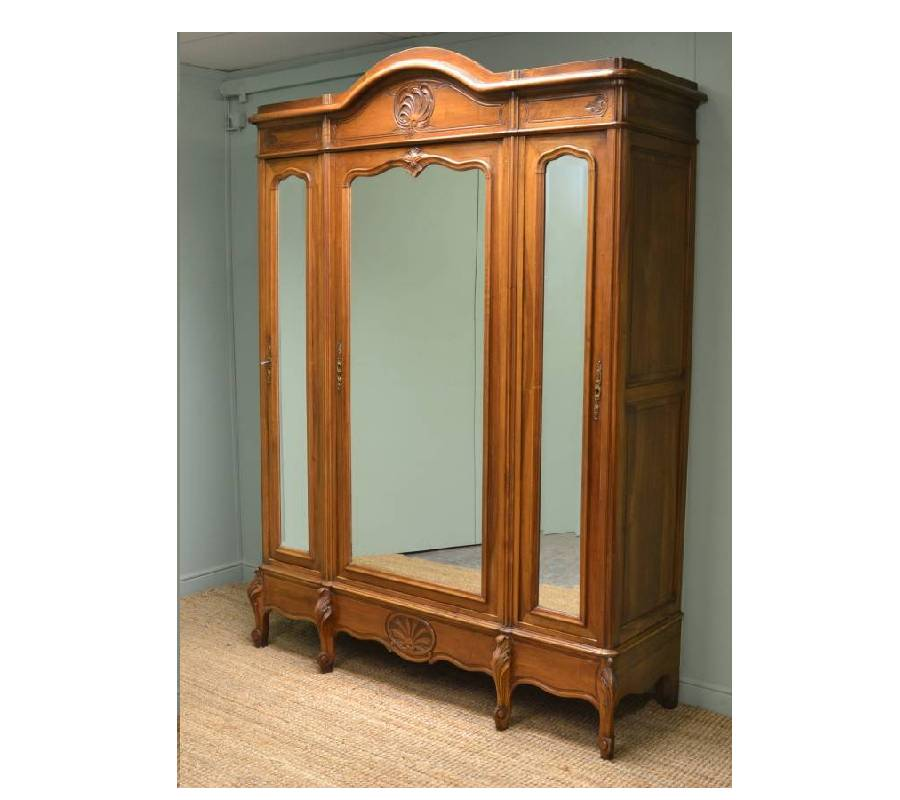 Image of: Simple Antique Armoire Wardrobe