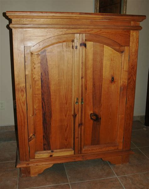 Image of: Simple Solid Wood Armoire