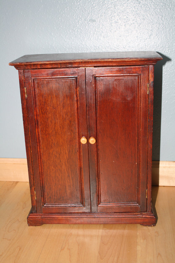 Picture of: Traditional American Girl Armoire