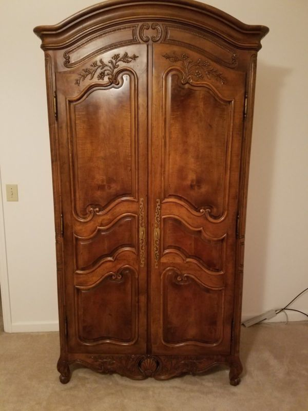 Picture of: Traditional Henredon Armoire