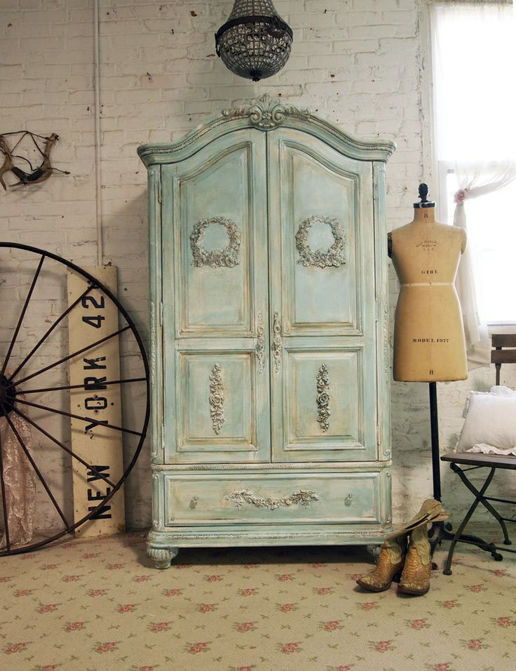 Image of: Unique Shabby Chic Armoire