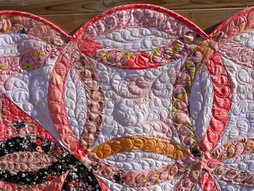 Image of: Antique Wedding Ring Quilt Pattern