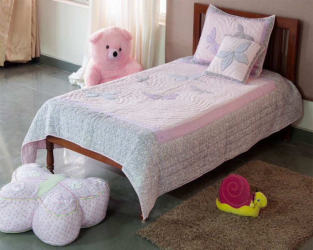 Image of: Applique Baby Quilt Girls