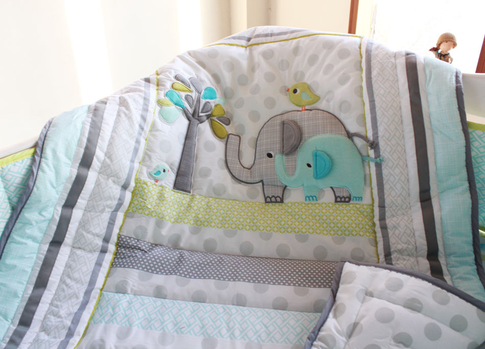 Picture of: Applique Baby Quilt Patterns Polka Dot