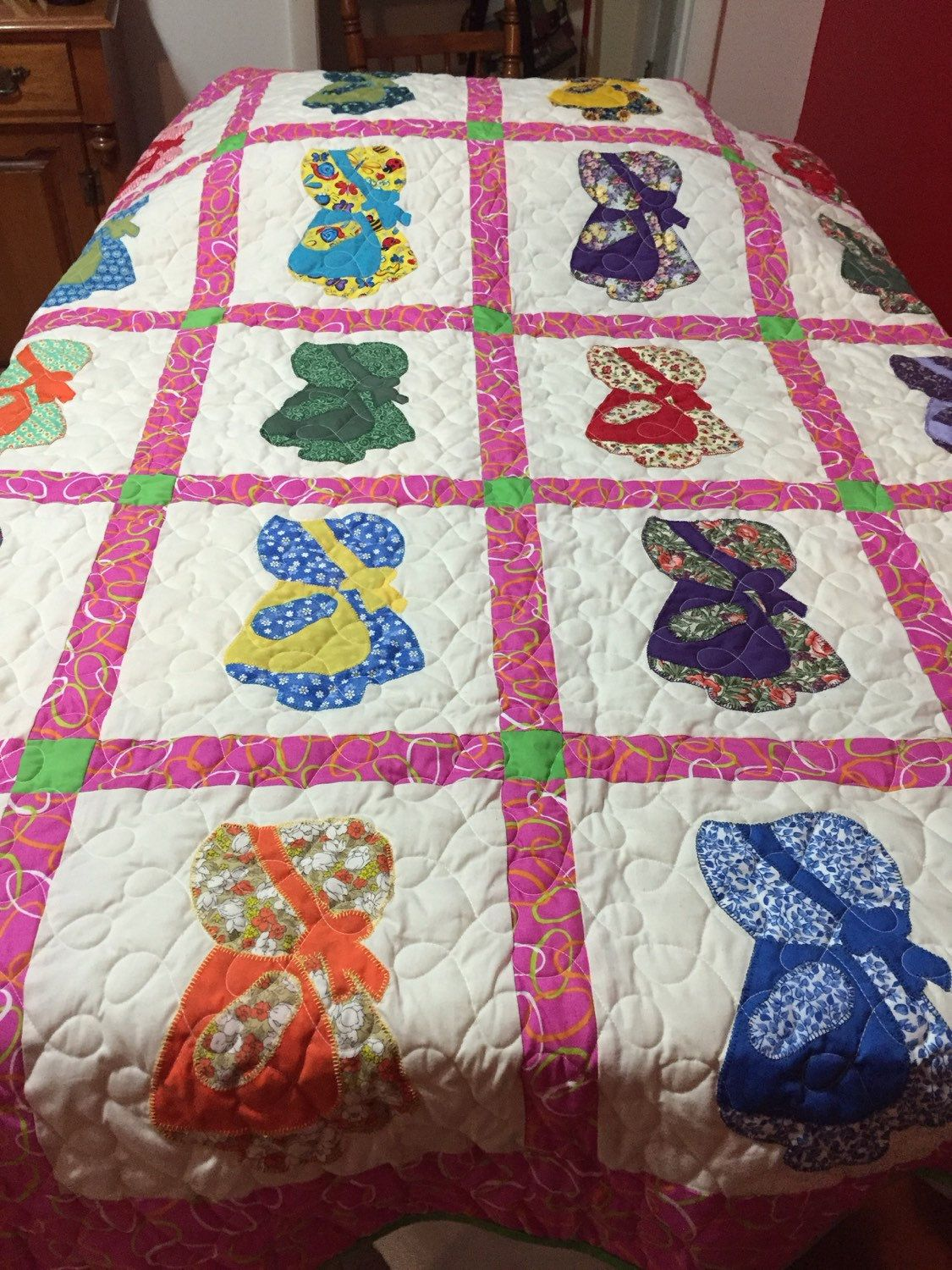 Image of: Applique Baby Quilt Pink