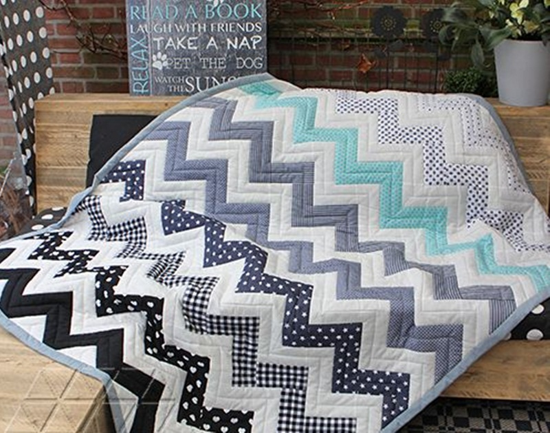 Image of: Awesome Chevron Quilt Pattern