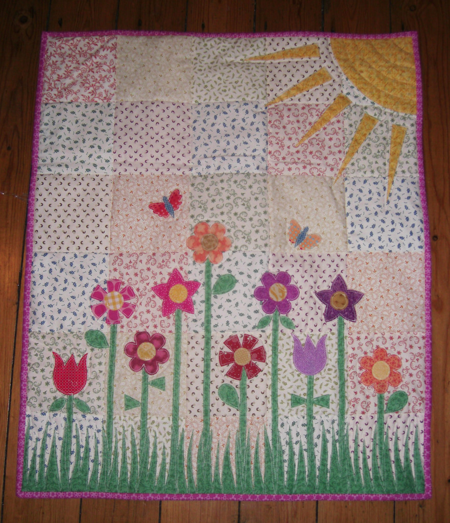 Image of: Baby Girl Quilt Patterns Flower