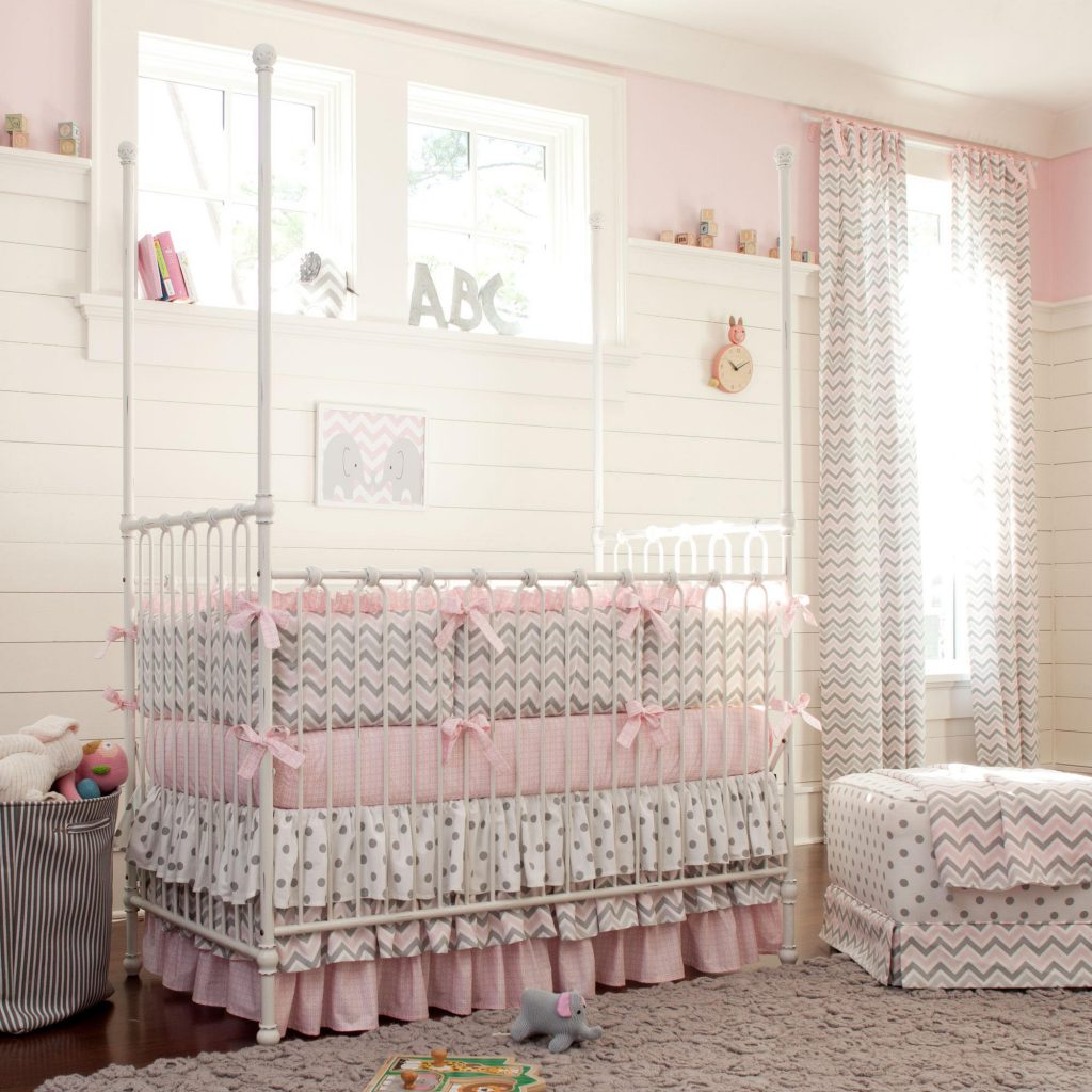 Image of: Baby Girl Quilts Bedroom