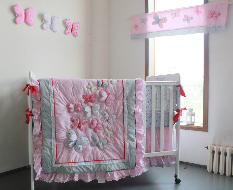 Image of: Baby Girl Quilts Pink