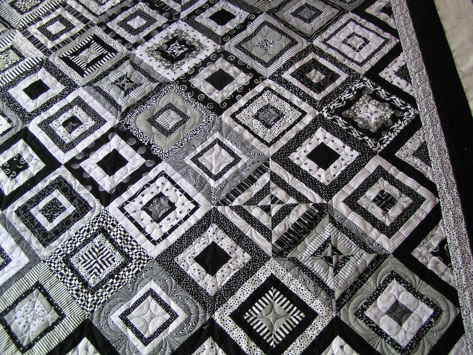 Image of: Black And White Quilt Patterns Creative