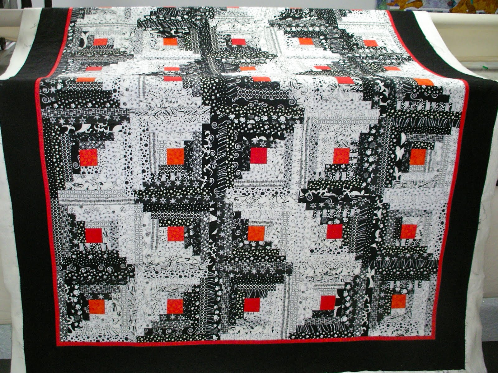 Image of: Black And White Quilt Patterns Handmade