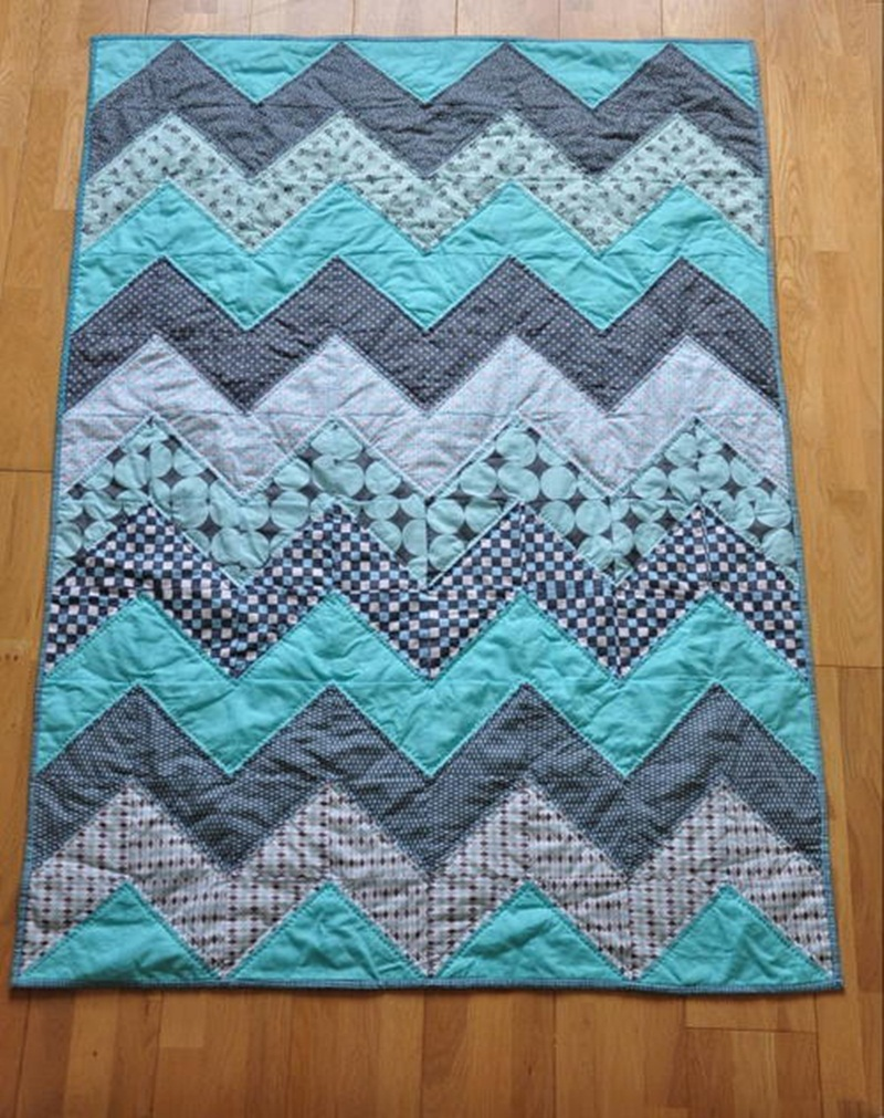 Image of: Blue Chevron Quilt Pattern
