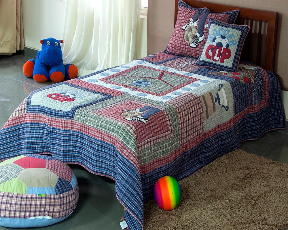 Image of: Boys Applique Baby Quilt