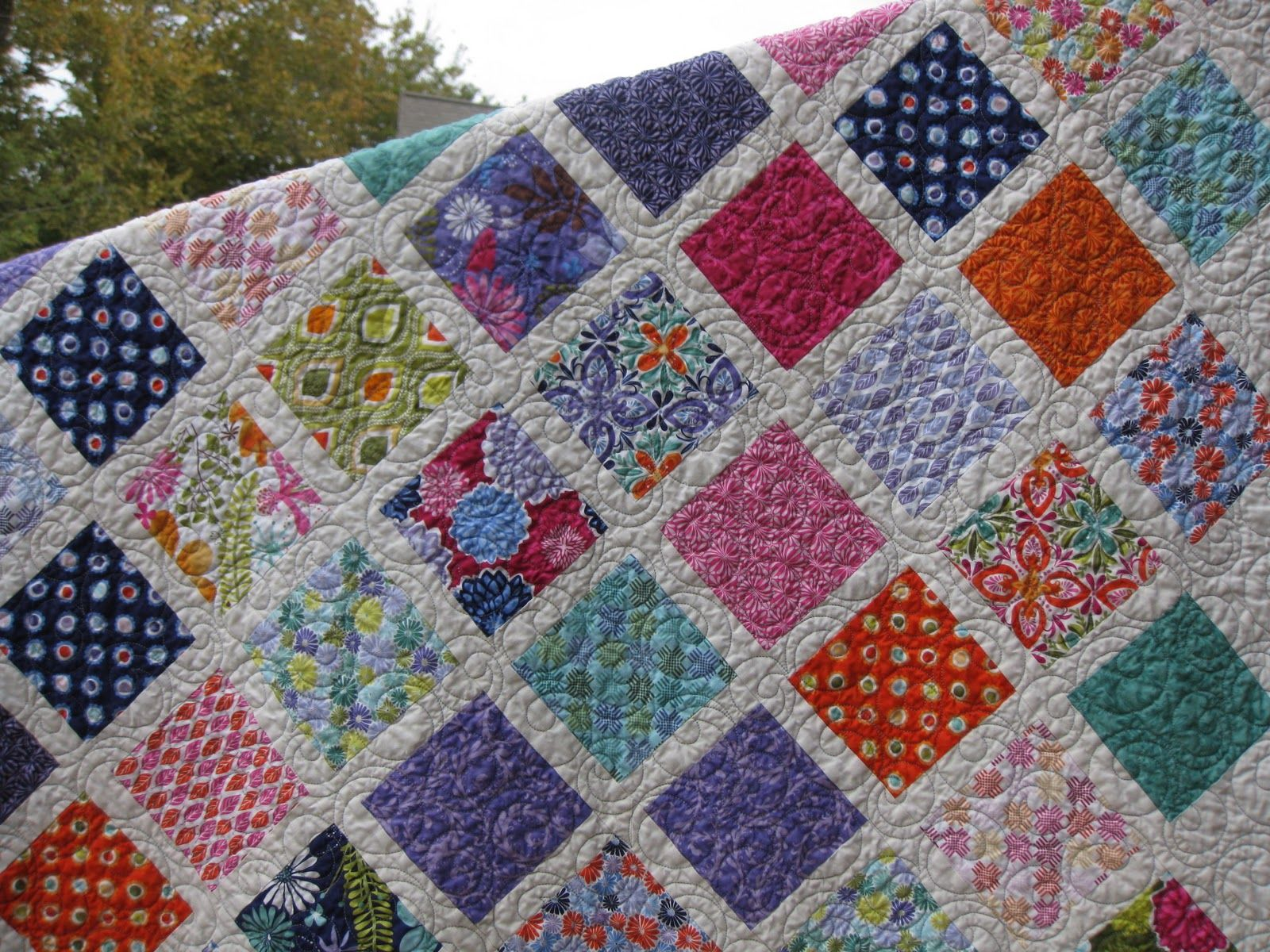 Image of: Charm Pack Baby Quilt Idea