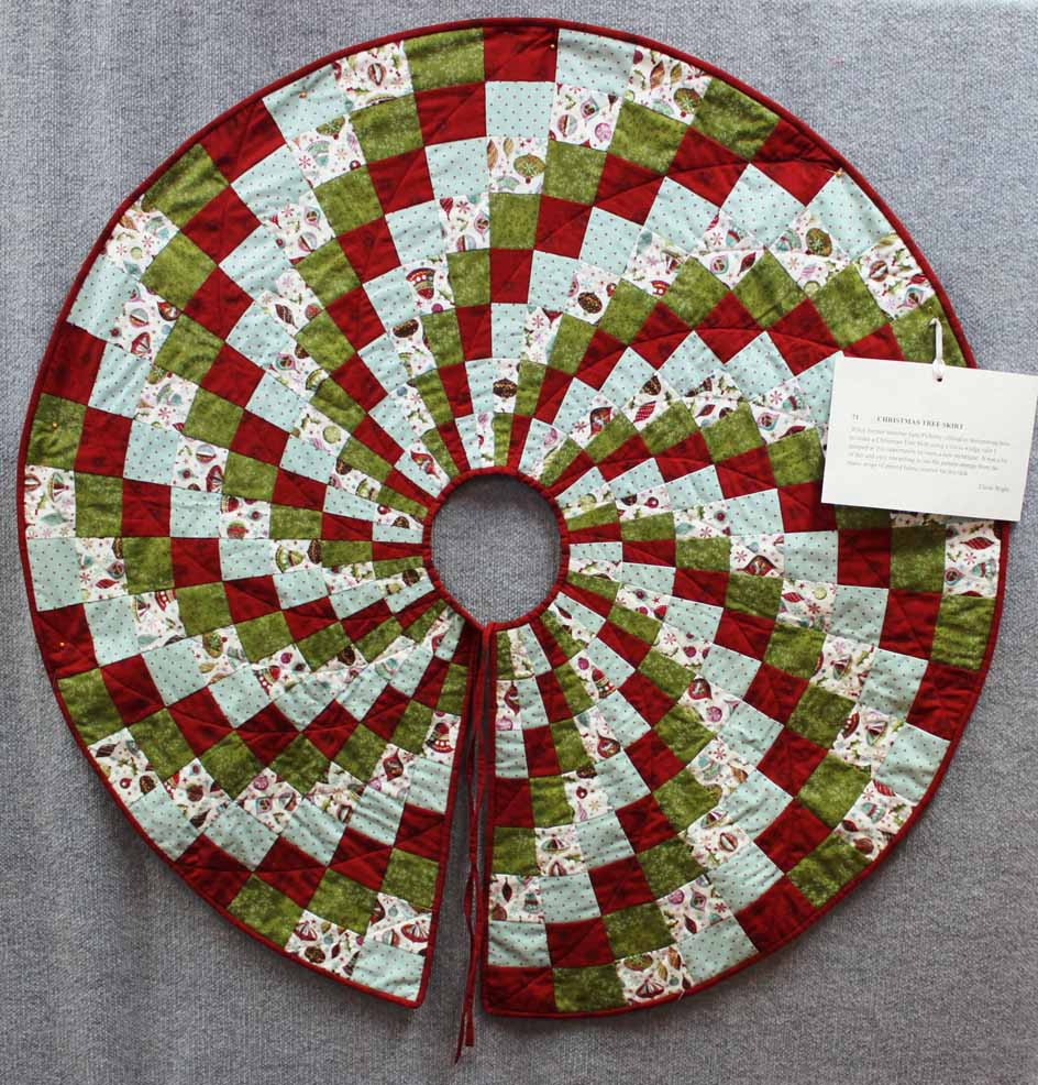 Image of: Christmas Tree Skirt Quilt Patterns Bright