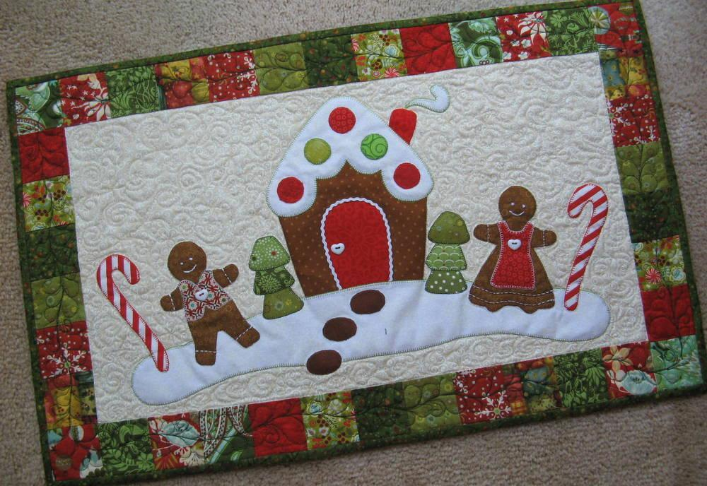 Picture of: Cute Christmas Quilt Patterns