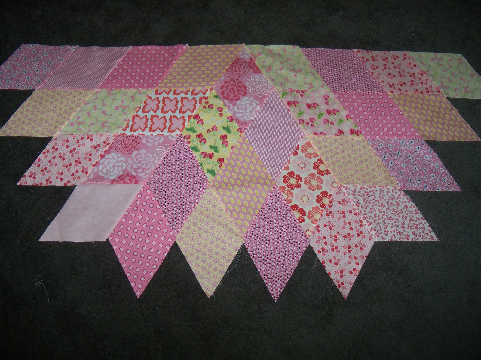 Image of: Diamond Quilt Pattern Pink