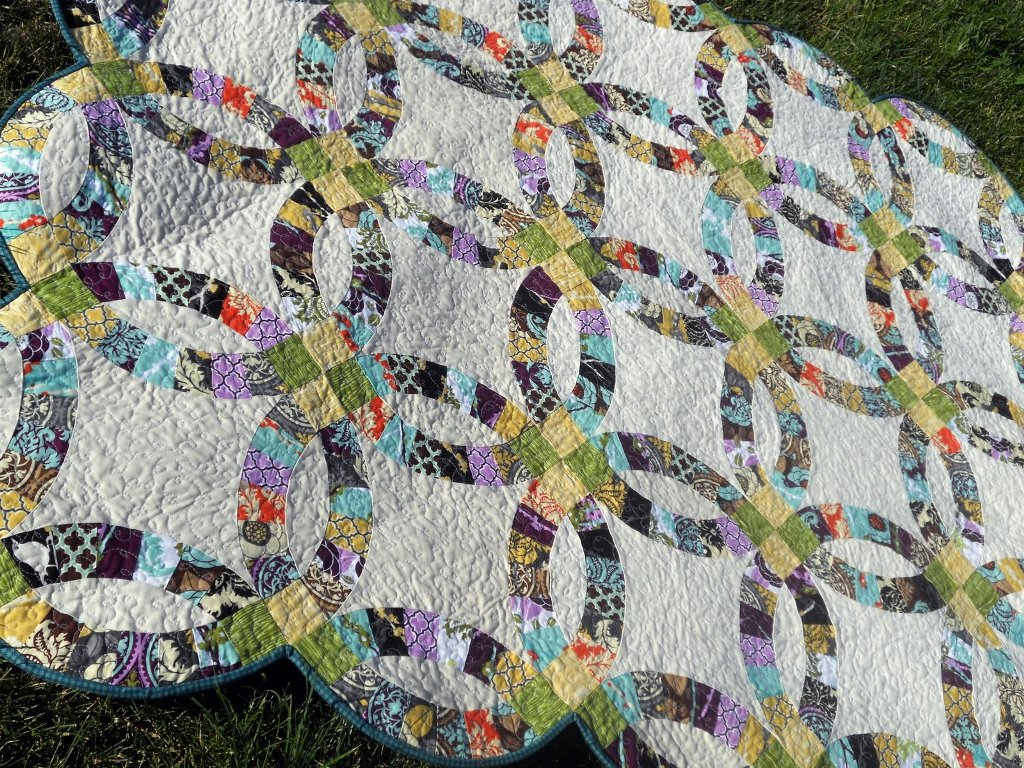 Image of: Double Wedding Ring Quilt Pattern Applique