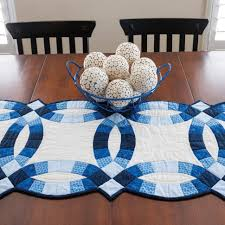 Image of: Double Wedding Ring Quilt Pattern Blue