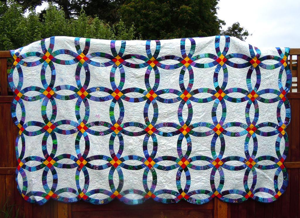 Image of: Double Wedding Ring Quilt Pattern Color