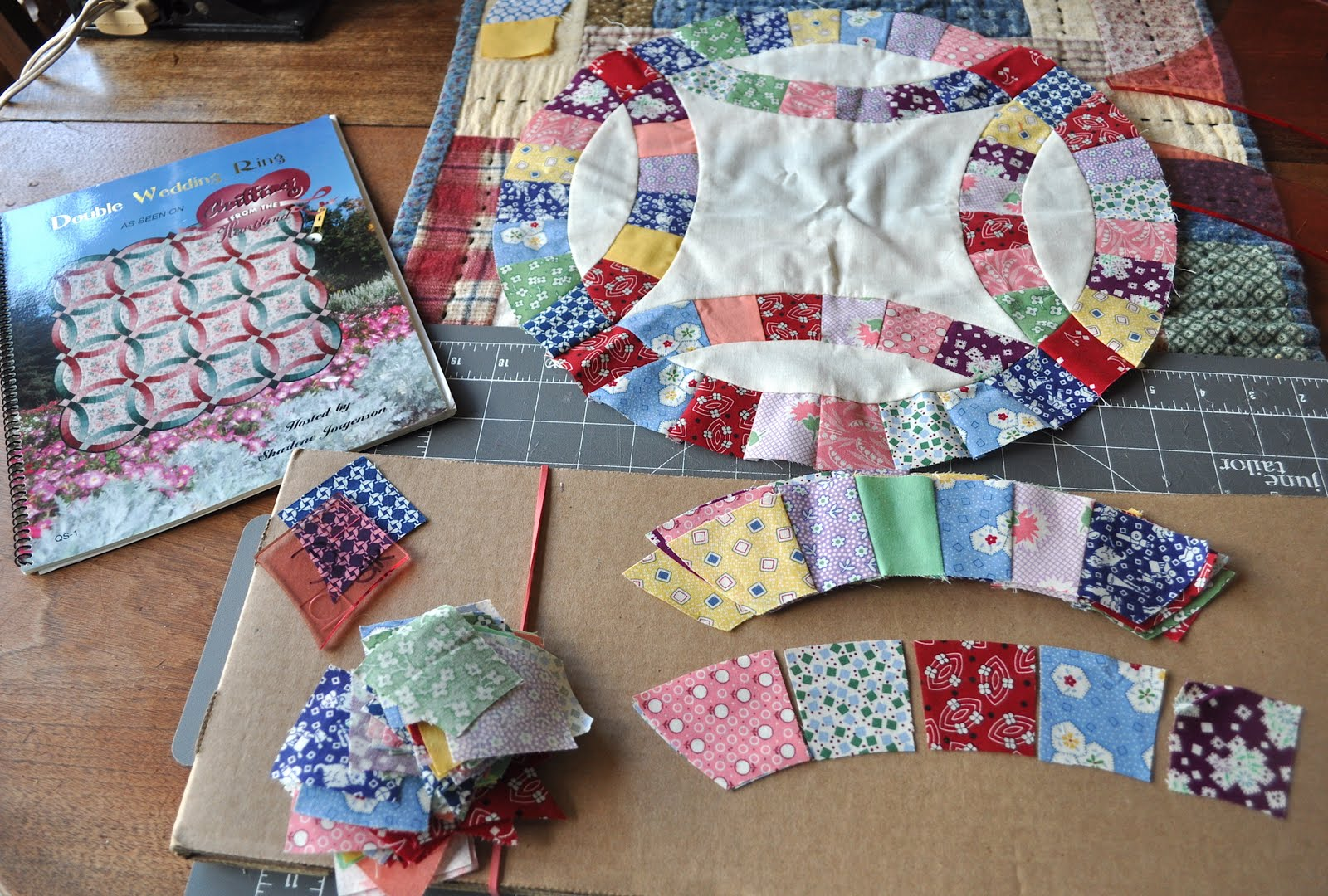 Image of: Double Wedding Ring Quilt Pattern Diy