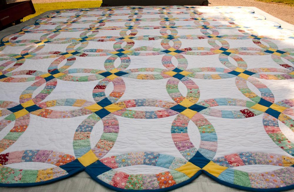 Image of: Double Wedding Ring Quilt Pattern Large