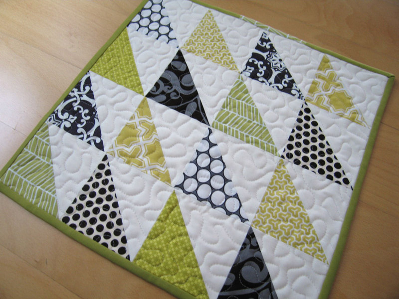 Picture of: Easy Baby Quilt Patterns Triangle