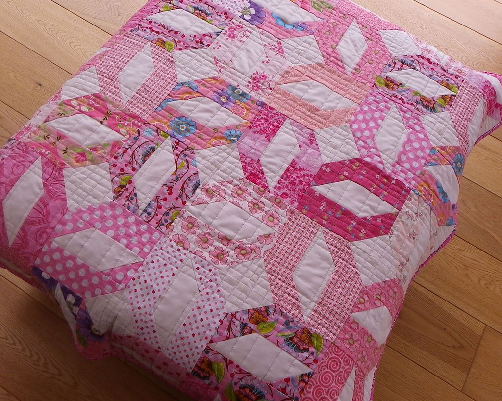 Image of: Easy Baby Quilts Pink
