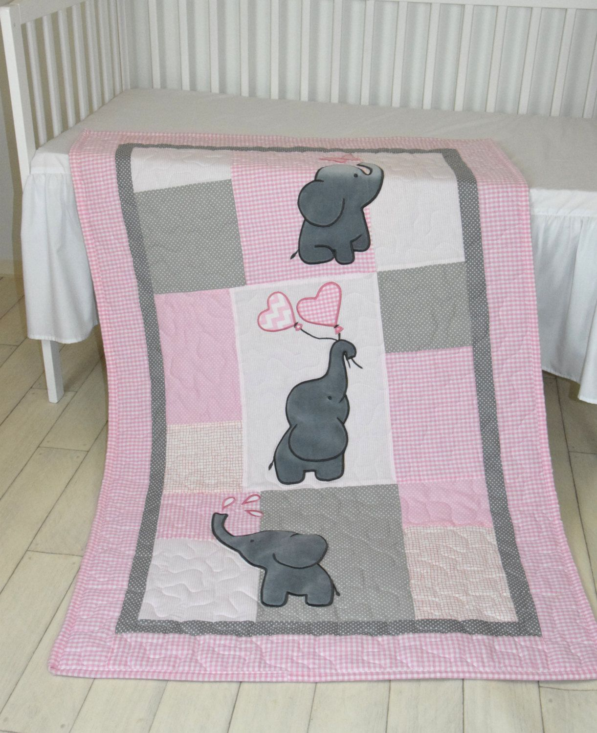 Image of: Elephant Baby Quilt Pink
