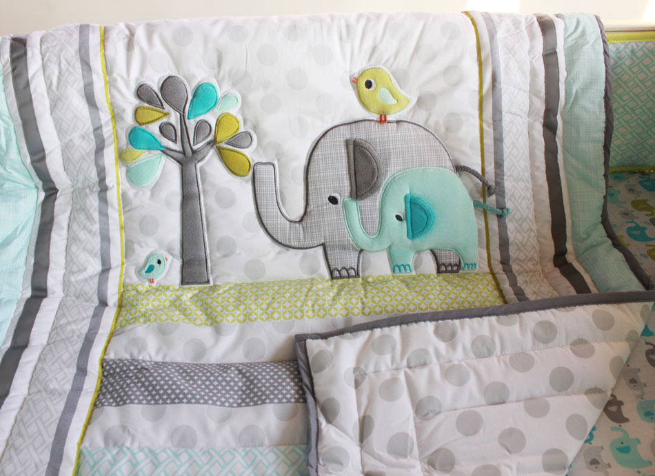 Image of: Elephant Baby Quilt Theme