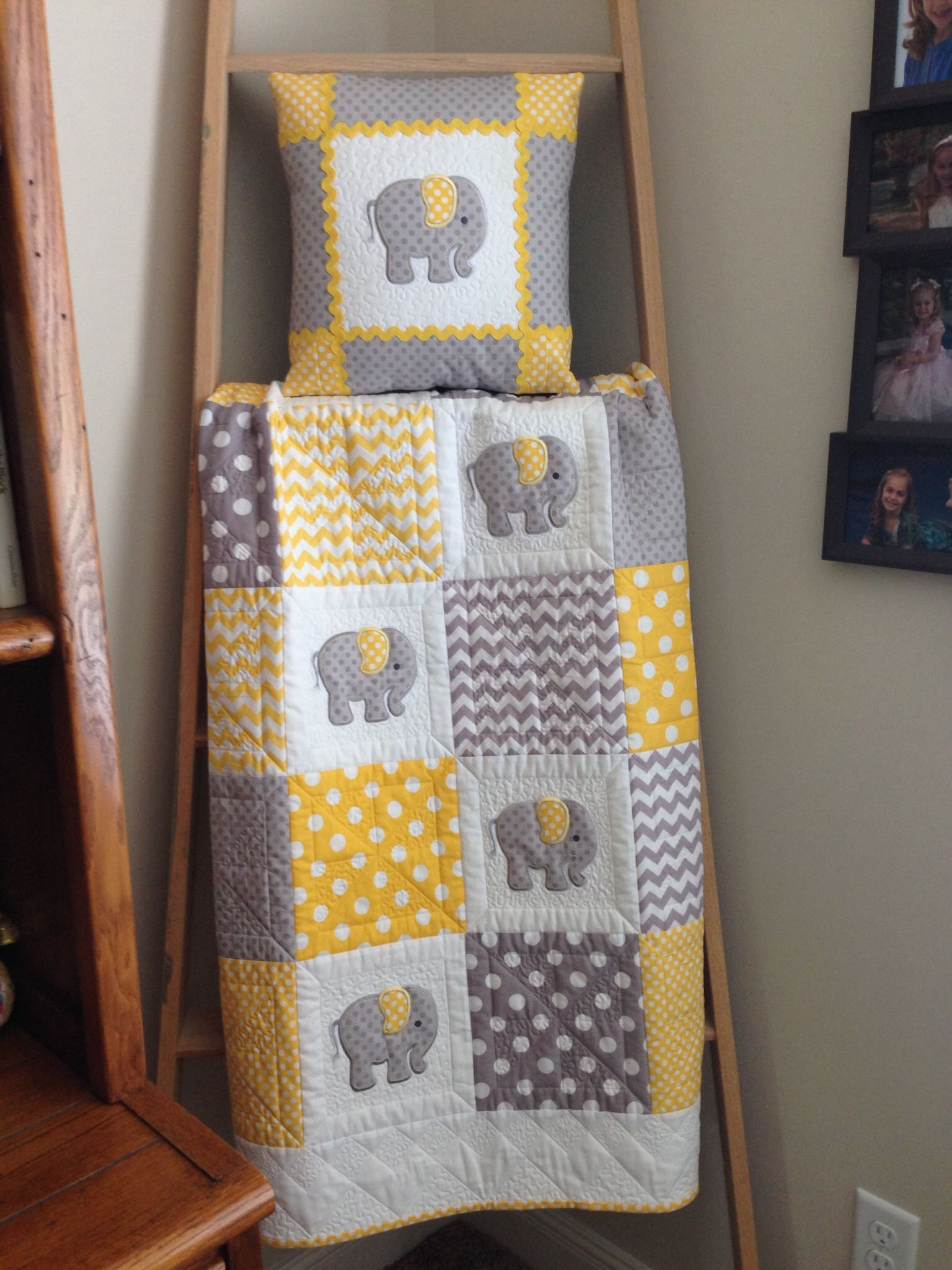 Image of: Elephant Baby Quilt Yellow