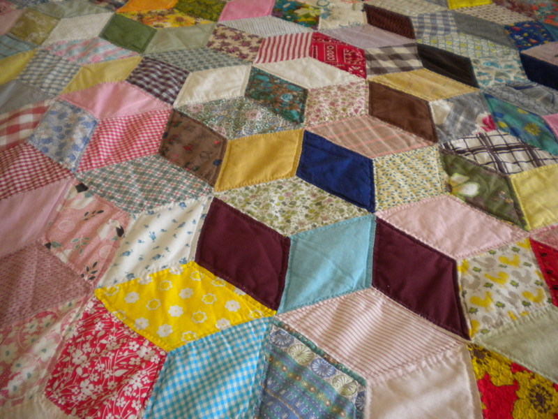 Image of: Fabric Diamond Quilt Pattern