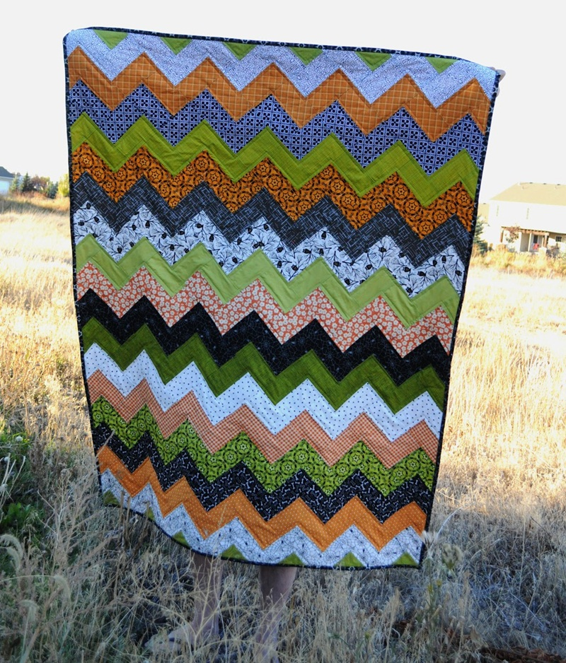 Image of: Fantastic Chevron Quilt Pattern