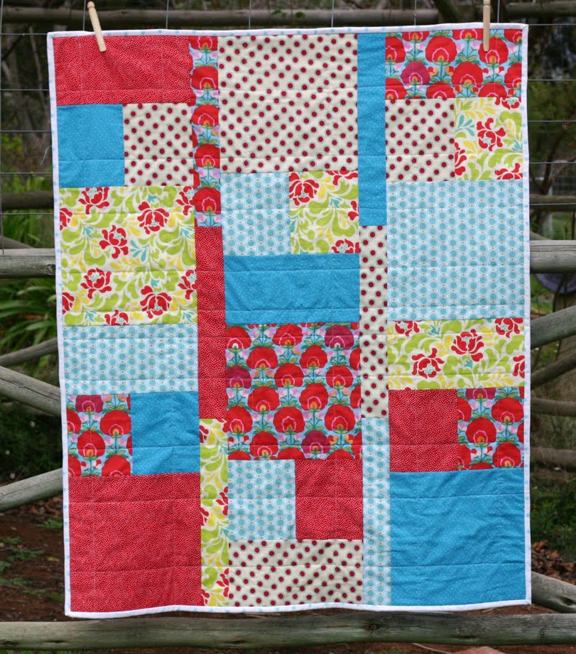 Image of: Fat Quarter Baby Quilt Patterns
