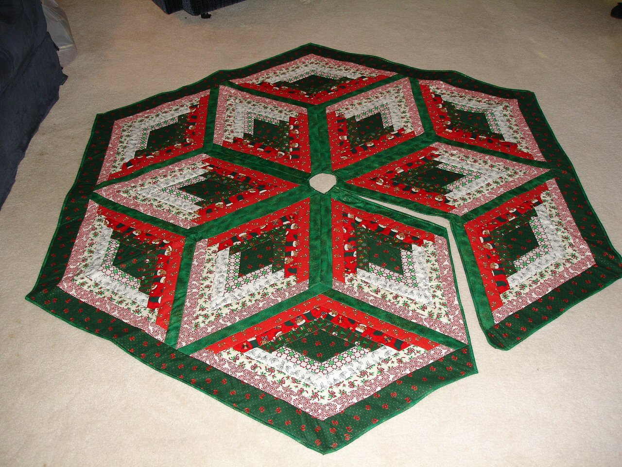 Free Quilted Tree Skirt Pattern