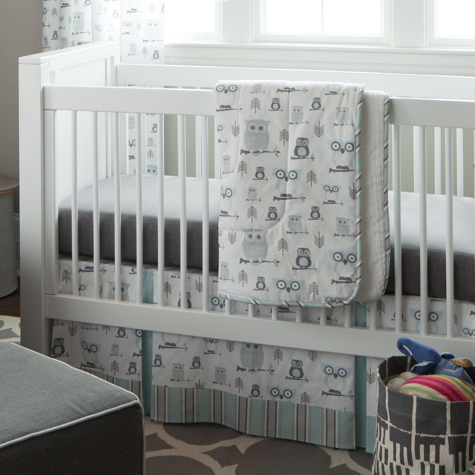 Image of: Gray Owl Baby Quilt
