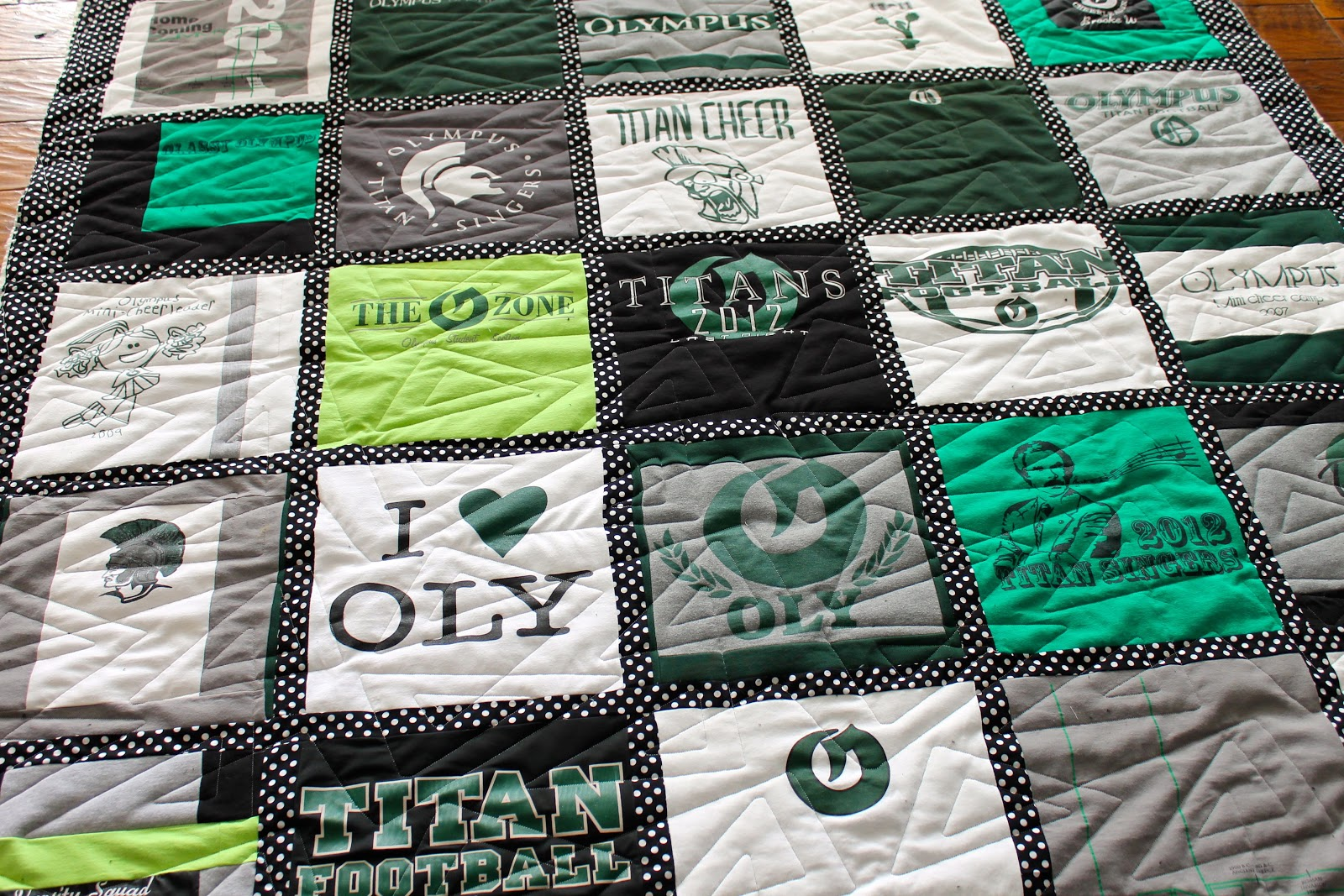 Image of: Gray T Shirt Quilt Pattern