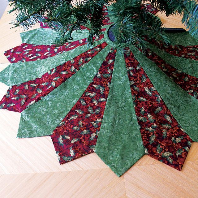 Image of: Green Christmas Tree Skirt Quilt Patterns
