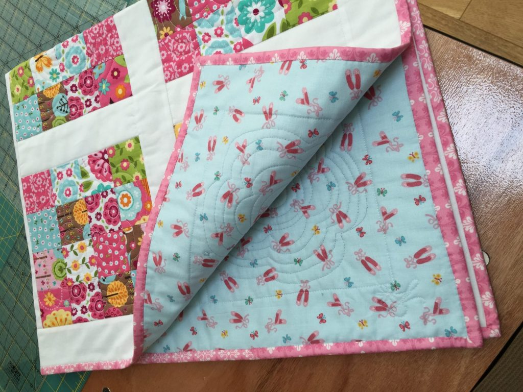 Image of: Handmade Baby Quilts Daisy