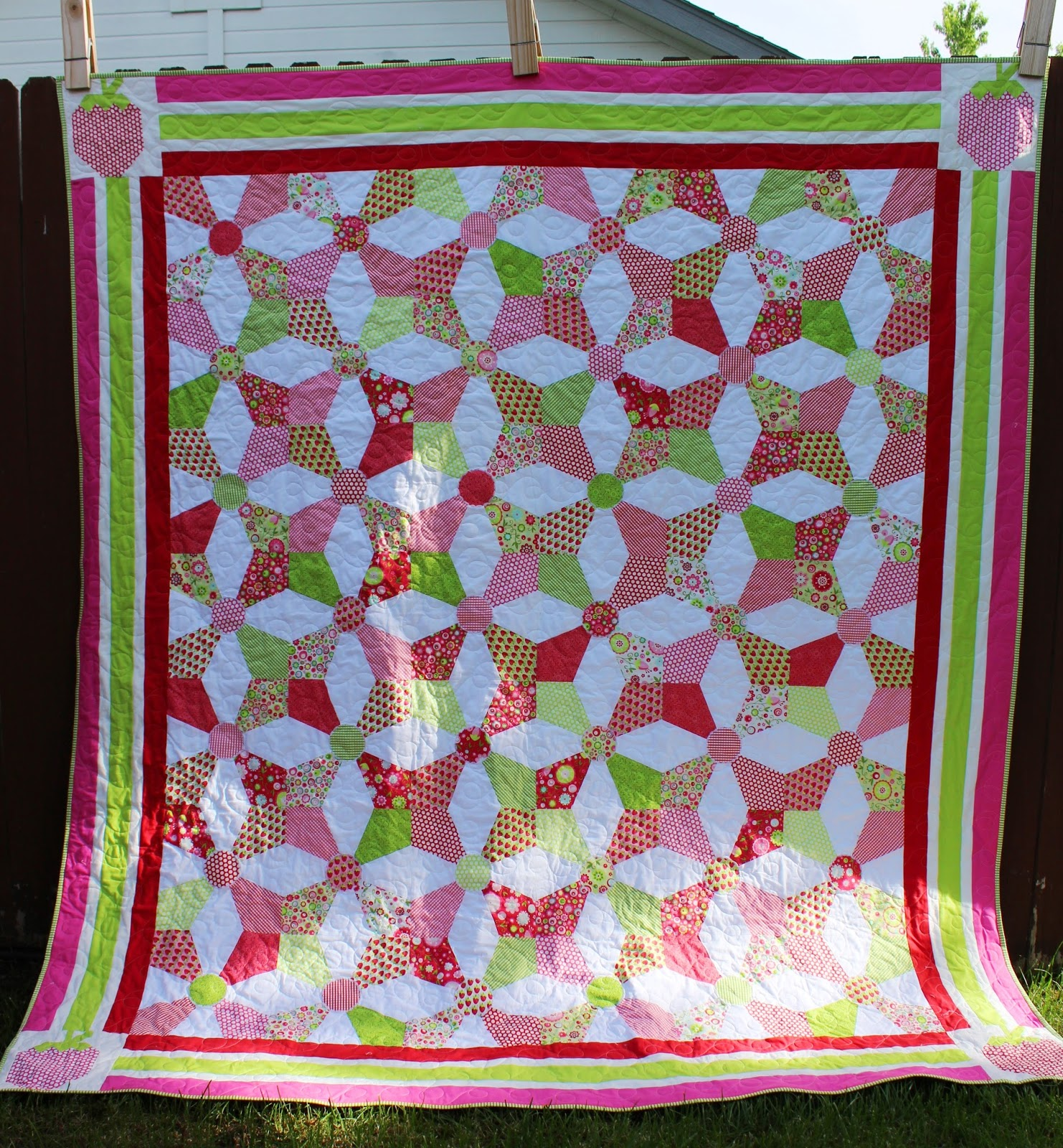 Image of: Kaleidoscope Quilt Pattern Pink